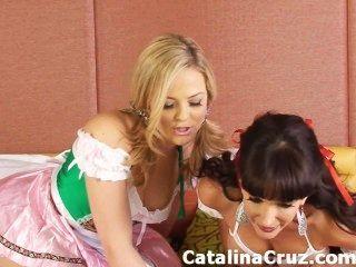 एलेक्सिस टेक्सास के साथ कैटालिना क्रूज़ समलैंगिक लाइव सेक्स