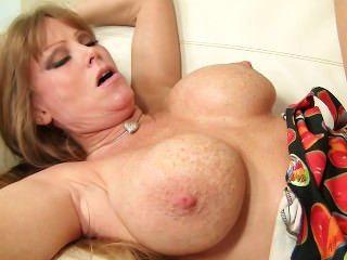 मेरी stepmom बैंग - hdporn69.com