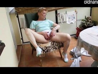 पुराने दादी हस्तमैथुन अनुभव