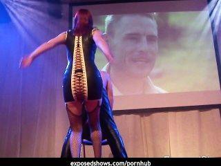 जंगली Domina सेक्स शो में उसके दास को दंडित