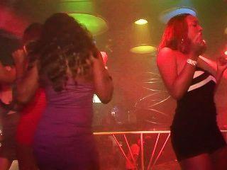 शहरी पार्टी लड़कियों: अजीब Sexfest - दृश्य 4
