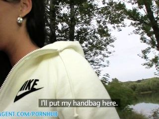 स्तन खत्म करने पर सह के साथ PublicAgent HD वास्तविक आउटडोर सेक्स