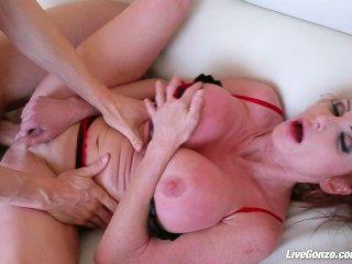 livegonzo टेलर घट रहा है Busty milf अधिक सेक्स करना चाहता है