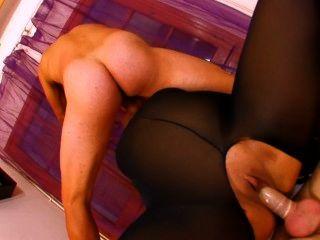 नायलॉन एक टुकड़ा में मोटा फ्रेंच वेश्या 2 लंड द्वारा गड़बड़ हो जाता है