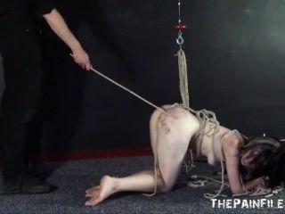 कट्टर गुलाम सेक्स और गड़बड़ गुलाम के प्रस्तुत करने के लिए बंधे और इस्तेमाल
