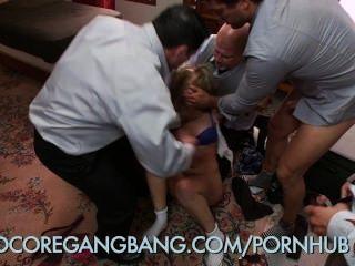 स्कूल लड़की कट्टर गैंगबैंग डॉमीनेटरिक्स प्राचार्य द्वारा दंडित हो जाता है