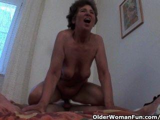 मुर्गा भूख दादी गुदा सेक्स प्यार करता है