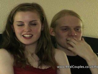 वास्तविक किशोरों की जोड़ी बीट्रिक्स आनंद और आकर्षित किया