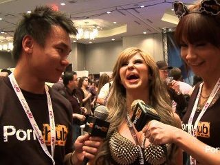 2014 AVN पुरस्कार में pornhubtv क्लो अराजकता साक्षात्कार