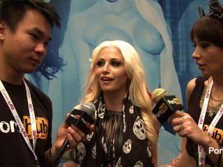 pornhubtv 2014 AVN पुरस्कार में छह साक्षात्कार रिक्की