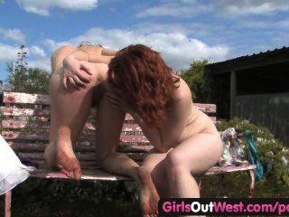 पश्चिम बाहर लड़कियों - बालों समलैंगिकों आपसी छूत