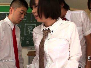 erito- छात्रा उसे मौखिक प्रस्तुति देता है