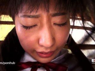erito- शर्मीली स्कूल लड़की को खोलता है