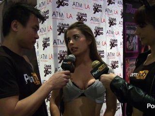 2014 AVN पुरस्कार में pornhubtv चलनेवाली स्वतंत्रता साक्षात्कार