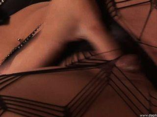 सेक्सी अधोवस्त्र में दो परिपक्व सुंदर समलैगिंकों एक दूसरे को चाटना