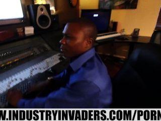 प्रसिद्धि के लिए industryinvaders-क्रिस्टीना लीना XXX किशोर रोड (मजेदार)