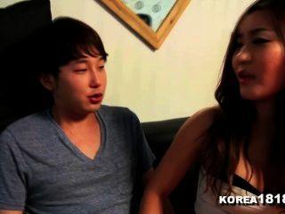 korea1818.com - भाग्यशाली वर्जिन Fucks हॉट बेब कोरियाई!