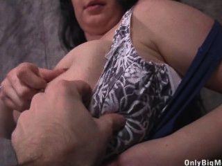ढोलकिया Leya स्तन मज़ा