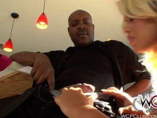 WCPClub गोरा रसदार लूट उसे गधे को एक बीबीसी लेता है