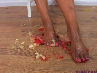 सिर्फ Danica पैर बुत