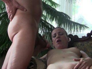 रहने वाले कमरे में बी.जे. रानी सिल्विया Chrystall।अभिनेता घर वीडियो HD।