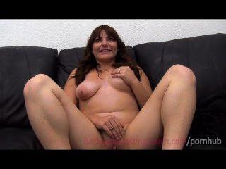 कास्टिंग सोफे पर मैक्सिकन मंगेतर घात creampie