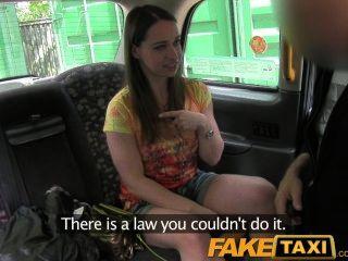FakeTaxi लंदन पर्यटन बेकार है और एक समर्थक की तरह बेकार है