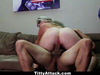 tittyattack - संचिका सनी हार्ट जुलाई के 4 मनाता है!