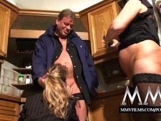 MMV फिल्में दो परिपक्व एक मुर्गा बांटने पत्नी