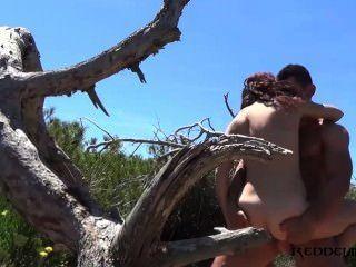 Debora और डिएगो समुद्र तट में स्पेनिश जोड़ी कमबख्त