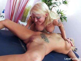 Leya फाल्कन समलैंगिक मालिश