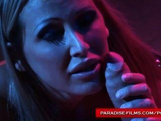स्वर्ग फिल्मों मैंडी उज्ज्वल उसे सेक्स गुलाम का उपयोग कर