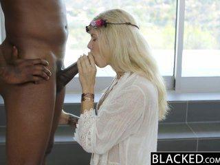 बेहोश गोरा फैशन मॉडल बड़ा काला डिक पर एडिसन बेल्जियम squirts!