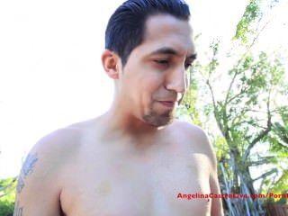 बिग titted एंजेलीना csatro बाहर पूल लड़का fucks!