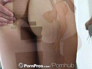 HD - PornPros संचिका होली उसे सोफे पर गड़बड़ माइकल्स