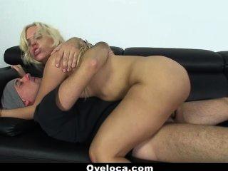 oyeloca - Busty लैटिना Blondie fesser अपने प्रशंसकों fucks