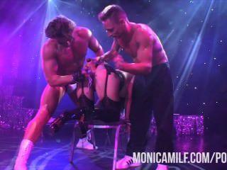 norwegian monicamilf sexhibition में मंच पर रहते हैं