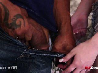 नई अनुभूतियां - शेन डीजल उसकी दाई गर्मियों कार्टर fucks