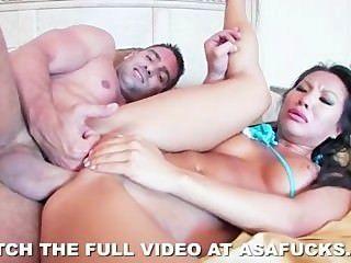 गर्म एशियाई आसा अकीरा असहज सेक्स प्यार करता है