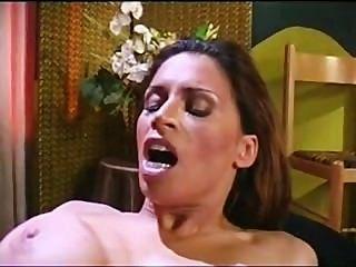 नीना Mercedez समलैंगिक यौन संबंध