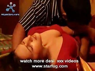 किशोर भारतीय अभिनेत्री गर्म चुंबन starfug.com