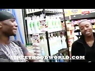 शौकिया पहली बार वीडियो के बाद beig सुपरमार्केट में उठाया करता है