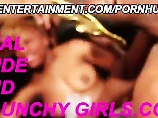 आबनूस सेक्स पार्टी में शौकिया कॉलेज के किशोरों की tottally नष्ट कर दिया