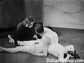 प्राचीन अश्लील 1930 के दशक - महिला महिला पुरूष त्रिगुट - न्यडिस्ट बार