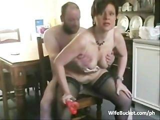 मध्यम आयु वर्ग के युगल घर का सेक्स