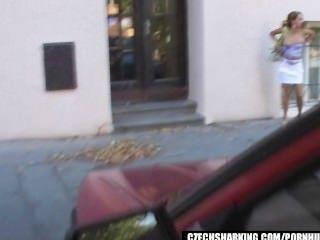 चेक शौकिया लड़कियों सड़कों पर sharked