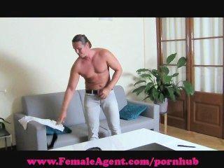 महिला एजेंट।मुझे सह बनाने