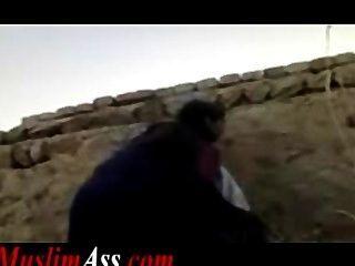इस्लामी पाकिस्तान में मुस्लिम दंपति द्वारा मना आउटडोर सार्वजनिक सेक्स