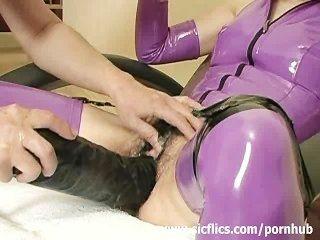 चरम दास एक विशाल dildo के साथ गड़बड़