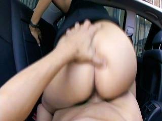 पीछे की सीट Fucks 5 - दृश्य 6